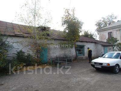 Здание, площадью 332.8 м², проспект Шакарима 180 вс 1 — Севастопольская улица за ~ 6.8 млн 〒 в Семее — фото 3