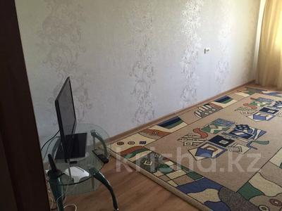 3-комнатная квартира, 88 м², 3/9 этаж посуточно, Камзина 80 — Естая за 10 000 〒 в Павлодаре — фото 3