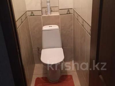3-комнатная квартира, 88 м², 3/9 этаж посуточно, Камзина 80 — Естая за 10 000 〒 в Павлодаре — фото 5