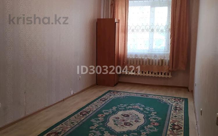 2-комнатная квартира, 42 м², 2/4 этаж, Досмухамедулы 1 за 9.3 млн 〒 в Нур-Султане (Астана), Алматы р-н