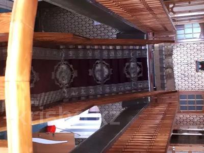10-комнатный дом посуточно, 800 м², 8 сот., мкр Калкаман-2, Латифа — Сабденова за 35 000 〒 в Алматы, Наурызбайский р-н — фото 3