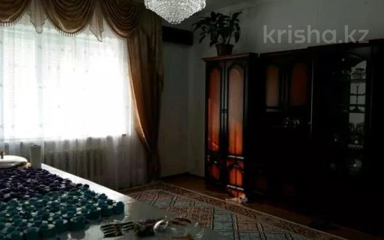 5-комнатный дом помесячно, 180 м², 10 сот., Сарайшық көшесі за 350 000 〒 в Атырау
