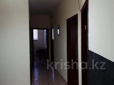 3-комнатная квартира, 70 м², 1 этаж посуточно, 3-й мкр 24 за 7 000 〒 в Актау, 3-й мкр — фото 9
