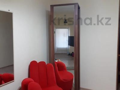 3-комнатная квартира, 70 м², 1 этаж посуточно, 3-й мкр 24 за 7 000 〒 в Актау, 3-й мкр — фото 6