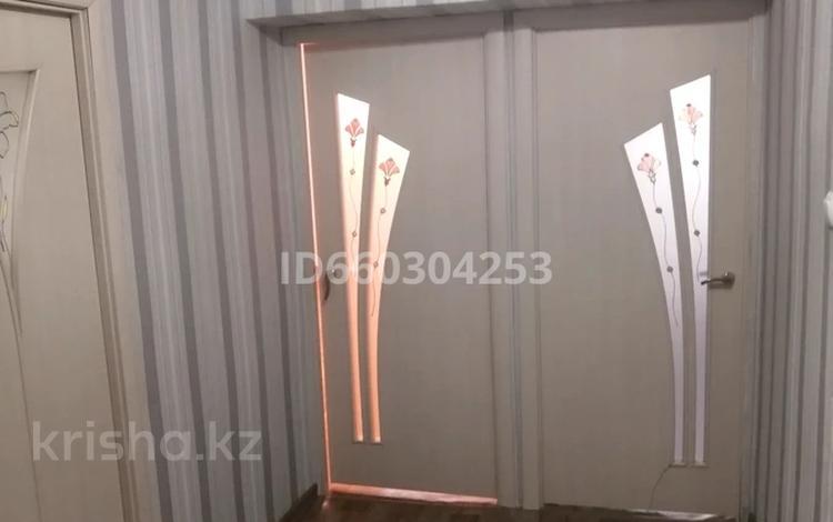 2-комнатная квартира, 50 м², 2/4 этаж, 5 мкр 24 за ~ 8.3 млн 〒 в Жанаозен
