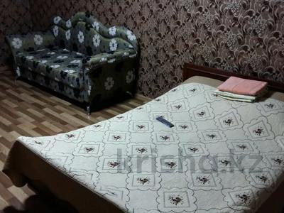 1-комнатная квартира, 32 м², 5/5 этаж посуточно, 6мкр. 33 за 5 000 〒 в Темиртау — фото 2
