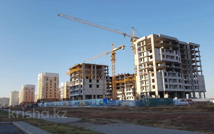 4-комнатная квартира, 70.4 м², 6/9 этаж, Чингиза Айтматова 31 — Е-10 за ~ 17.5 млн 〒 в Нур-Султане (Астана), Есиль р-н