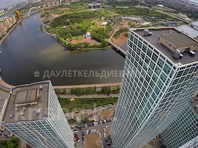 3-комнатная квартира, 140 м², 41/43 этаж помесячно, Желтоксан 2/1 — Кенесары за 300 000 〒 в Нур-Султане (Астана), Есиль р-н