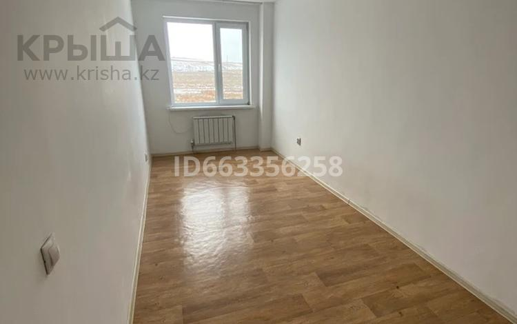 3-комнатная квартира, 64 м², 3/5 этаж помесячно, мкр Коккайнар 61 за 120 000 〒 в Алматы, Алатауский р-н