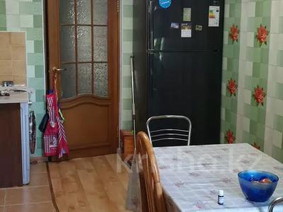 4-комнатная квартира, 77 м², 2/5 этаж, улица Карасай батыра 62 за 18 млн 〒 в Каскелене — фото 2