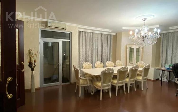 4-комнатная квартира, 150 м², 3/13 этаж, Аль-Фараби 97 — Ходжанова за 79 млн 〒 в Алматы, Бостандыкский р-н