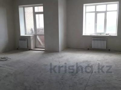 4-комнатная квартира, 112 м², 6/9 этаж, Гульдер 1 1/4 за 33 млн 〒 в Караганде, Казыбек би р-н — фото 3
