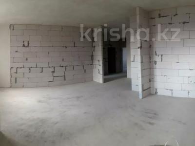 4-комнатная квартира, 112 м², 6/9 этаж, Гульдер 1 1/4 за 33 млн 〒 в Караганде, Казыбек би р-н — фото 6