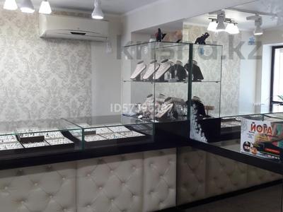 Магазин площадью 80 м², проспект Нурсултана Назарбаева 20 за 70 млн 〒 в Павлодаре — фото 2