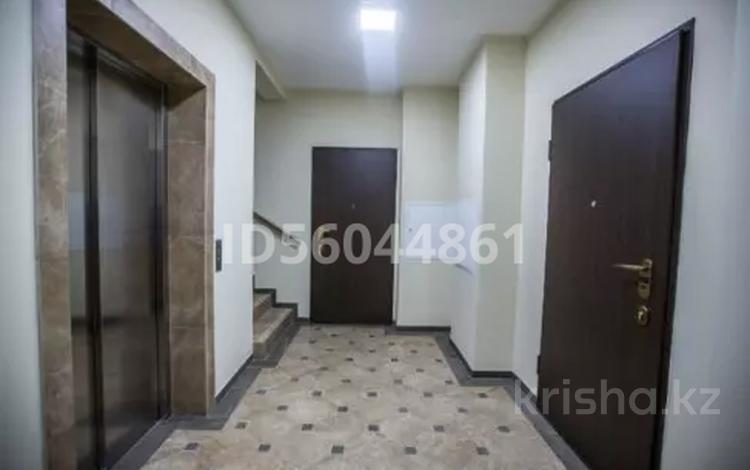 2-комнатная квартира, 57 м², 8/10 этаж помесячно, Досмухамедова 43 — Толе би за 200 000 〒 в Алматы, Алмалинский р-н