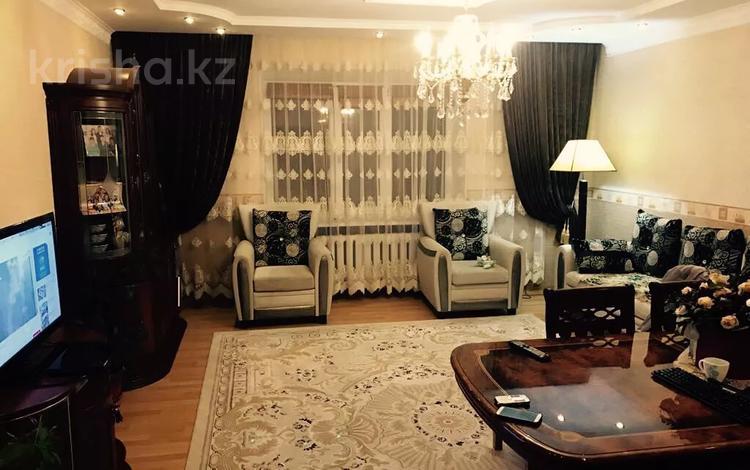 3-комнатная квартира, 106 м², 3/4 этаж, Сатпаева 15А — Байтурсынова за 31.7 млн 〒 в Атырау
