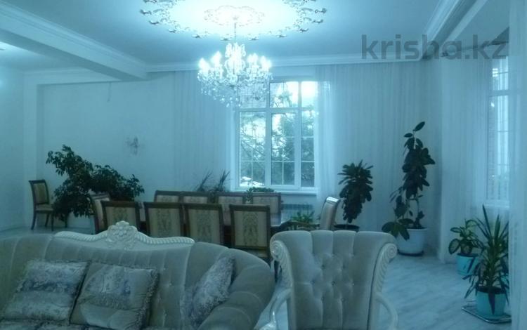 9-комнатный дом помесячно, 760 м², 7 сот., мкр Таугуль-3, Мкр Таугуль-3 — Жантурина за 850 000 〒 в Алматы, Ауэзовский р-н