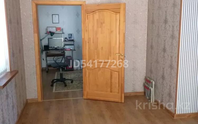 10-комнатный дом, 318.4 м², 10 сот., Евгения Хана 44 — Амангельды за 75 млн 〒 в