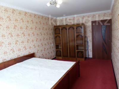 2-комнатная квартира, 50 м², 4/5 этаж, 7 микрорайон — проспект Металлургов за 5.3 млн 〒 в Темиртау — фото 2