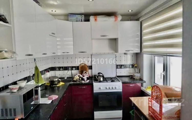 3-комнатная квартира, 58.3 м², 2/5 этаж, Привокзальный-5 27 за 13 млн 〒 в Атырау, Привокзальный-5