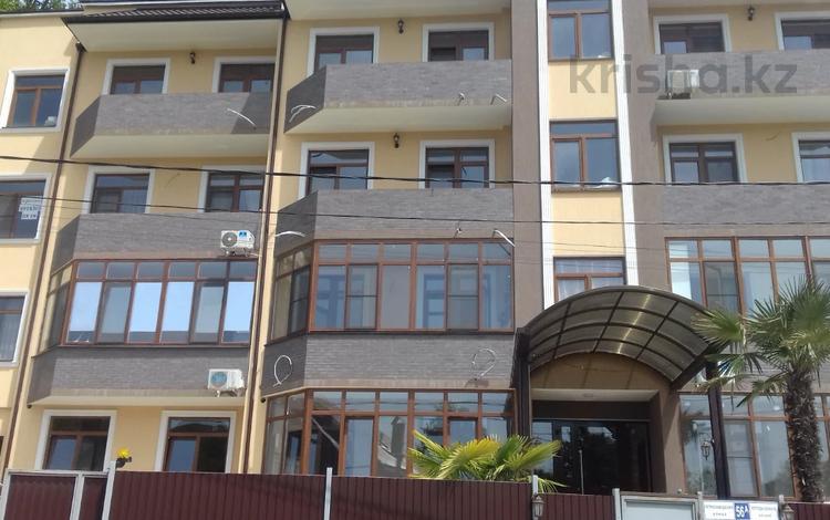 1-комнатная квартира, 40 м², 2/4 этаж, Петрозаводская за ~ 21.5 млн 〒 в Сочи