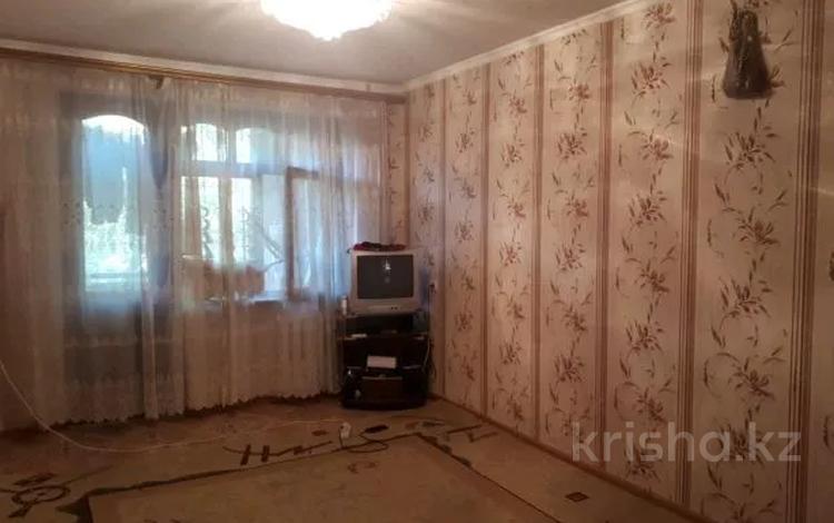 2-комнатная квартира, 48 м², 4/5 этаж, 4 мкр — Аль-Фараби-Шестоковича за 6.5 млн 〒 в Таразе