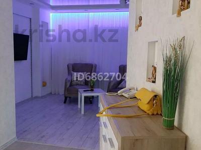 1-комнатная квартира, 50 м², 4/5 этаж посуточно, 15-й мкр за 13 000 〒 в Актау, 15-й мкр — фото 12