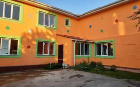 10-комнатный дом помесячно, 570 м², 6 сот., мкр Дубок-2, Мкр Дубок-2 за 1 млн 〒 в Алматы, Ауэзовский р-н