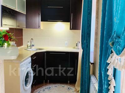 2-комнатная квартира, 45 м², 2/4 этаж посуточно, Естая 39 — Сатпаева за 9 000 〒 в Павлодаре