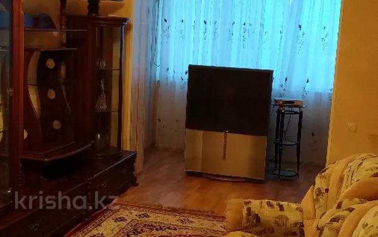 3-комнатная квартира, 65 м², 2/5 этаж помесячно, 7 мкр 2 — Нефтяников за 150 000 〒 в Актау