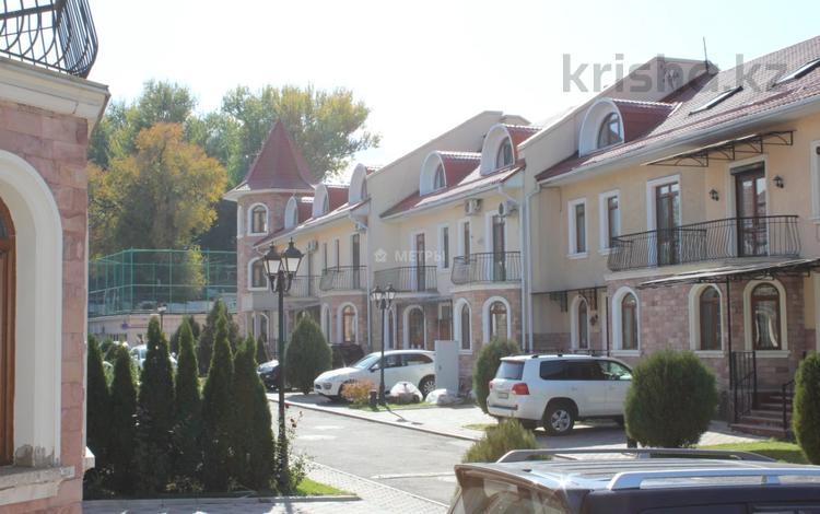 7-комнатная квартира, 377 м², 1/3 этаж, Рыскулбекова 19 за 252 млн 〒 в Алматы, Бостандыкский р-н