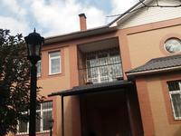 7-комнатный дом помесячно, 500 м², 10 сот.