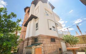 6-комнатный дом, 525 м², 10 сот., ул. Хаджикадироглу за ~ 145 млн 〒 в