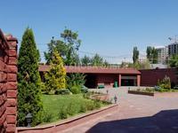 Здание, площадью 625 м²