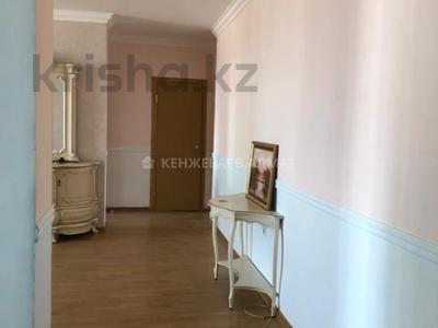 3-комнатная квартира, 100 м² помесячно, Сауран 3/1 за 190 000 〒 в Нур-Султане (Астана) — фото 13