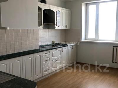 3-комнатная квартира, 100 м² помесячно, Сауран 3/1 за 190 000 〒 в Нур-Султане (Астана) — фото 9