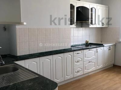 3-комнатная квартира, 100 м² помесячно, Сауран 3/1 за 190 000 〒 в Нур-Султане (Астана) — фото 2