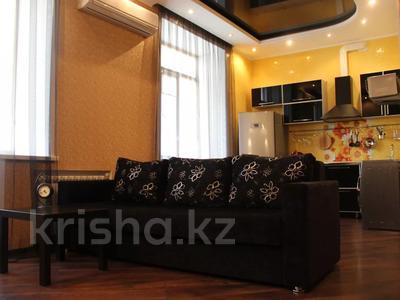 1-комнатная квартира, 40 м² посуточно, 1 Мая 5 — Крупской за 8 000 〒 в Павлодаре — фото 2