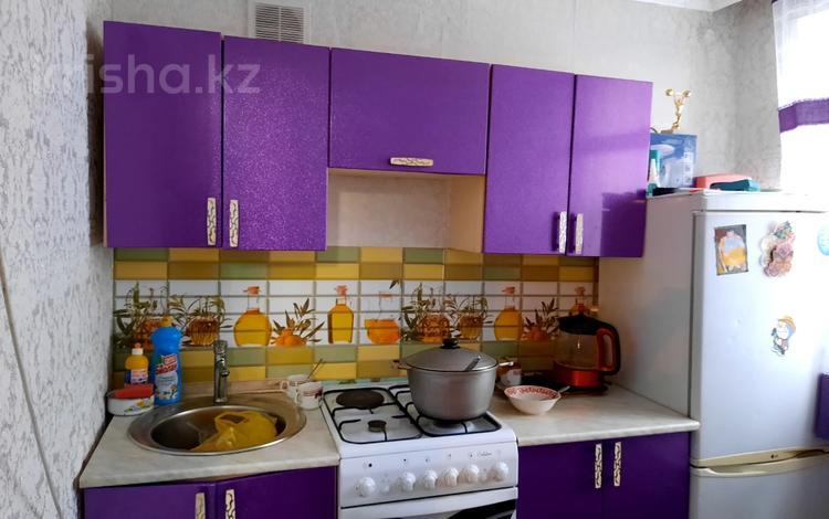 2-комнатная квартира, 43 м², 1/5 этаж, 1 мкр Республики за 6.2 млн 〒 в Темиртау