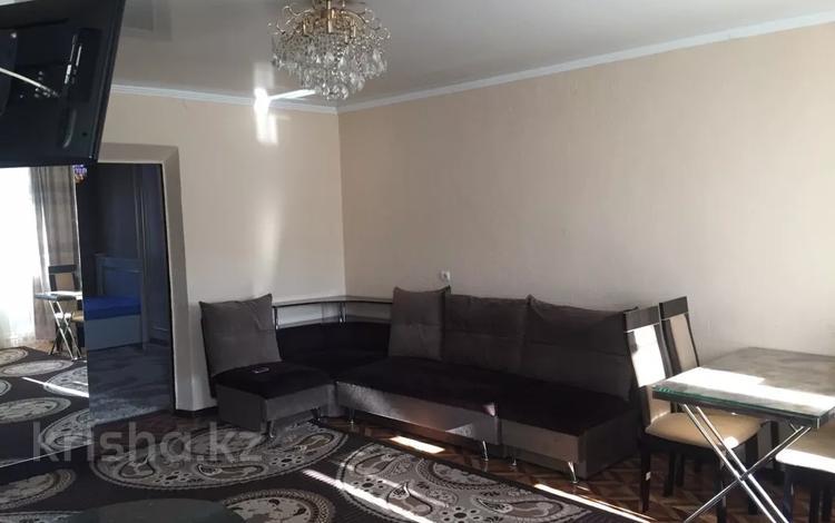 2-комнатная квартира, 45 м², 3/5 этаж посуточно, Шевченко 136 за 8 000 〒 в Талдыкоргане
