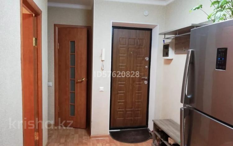 3-комнатная квартира, 50.5 м², 2/5 этаж, Абулхаир хана 61/3 — Алии Молдагуловой за 10.5 млн 〒 в Актобе