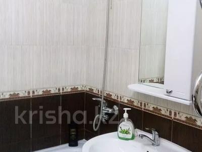 1-комнатная квартира, 40 м², 3/15 этаж посуточно, Е 246 10 — Кургальжинское шоссе за 8 000 〒 в Нур-Султане (Астана), Есиль р-н — фото 3