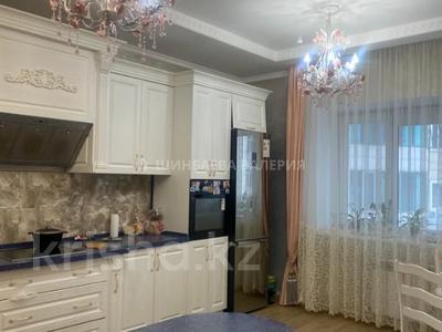3-комнатная квартира, 120 м², 2/22 этаж, Кожамкулова за 60 млн 〒 в Алматы, Алмалинский р-н — фото 11