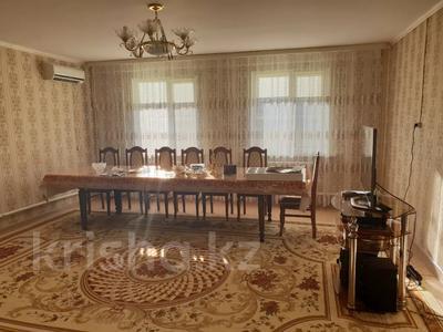 5-комнатный дом, 163 м², 10 сот., Мкр.Атырау, Ак Босага за 25 млн 〒