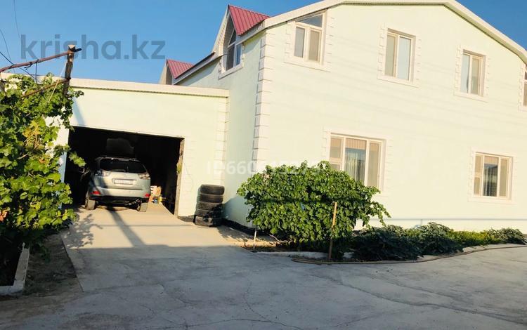 9-комнатный дом, 613.7 м², 12 сот., Нурсат 41/43 за 45 млн 〒 в Баскудуке