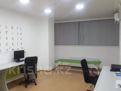 Здание, Шахтеров площадью 100 м² за 350 000 〒 в Караганде, Казыбек би р-н — фото 2