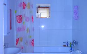 7-комнатный дом, 247 м², 0.08 сот., мкр Атырау, Агайынды Шакировтер 44 за ~ 36.4 млн 〒