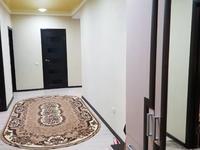 3-комнатная квартира, 81 м², 4/5 этаж на длительный срок, Северо восток 2/10 за 180 000 〒 в Уральске