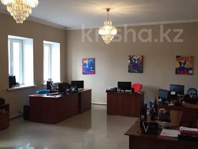 10-комнатный дом, 550 м², 12 сот., Атырау за 300 млн 〒 в Нур-Султане (Астана), Есиль р-н — фото 6