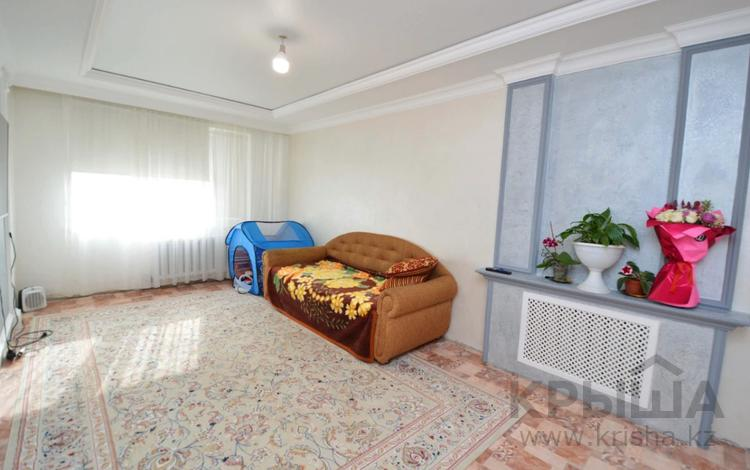 3-комнатная квартира, 64.8 м², 1/5 этаж, Гагарина за 15.5 млн 〒 в Уральске